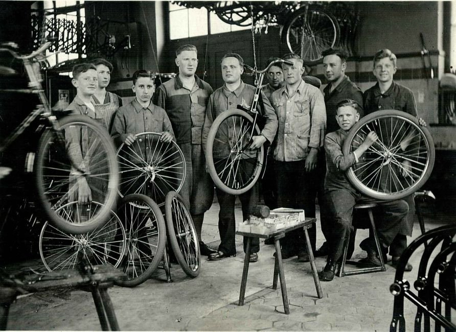 Bicycle factory-wheels
