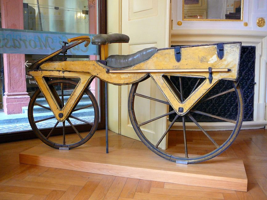 Draisine_or_Laufmaschine,_around_1820._Archetype_of_the_Bicycle._Pic_01