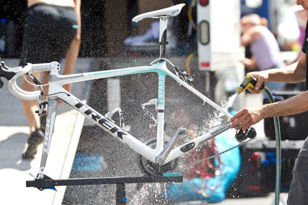 Bike-Washing-Tip-How-To-Wash