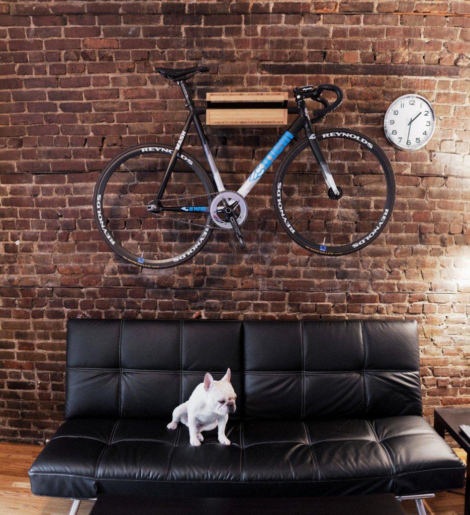 hang-your-biike-on-wall