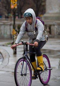 new-york-bike-commuters-in-the-rain-11