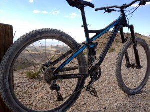 Devinci-Troy-650B-Rear-View