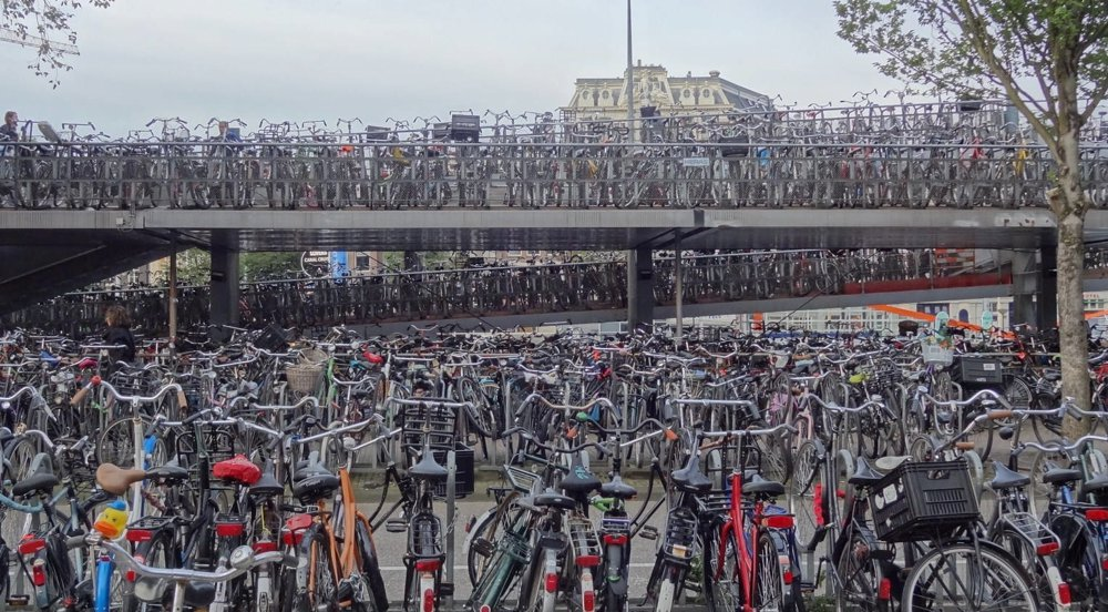 bike-parking-lot