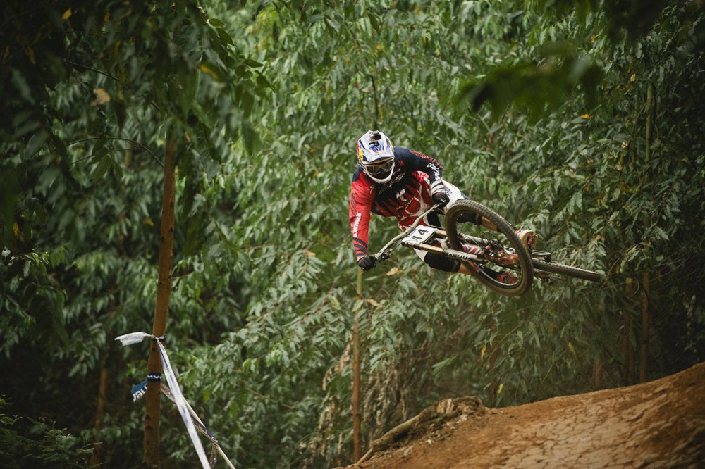 mountain-bike-downhill-racer-aaron-gwin-competes-in-pietermaritzburg-south-africa-in-2013