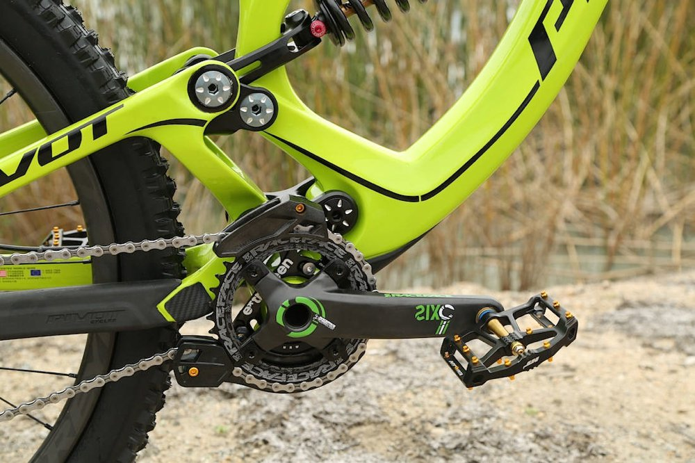 pivot-cycles-phoenix-dh-carbon-2015-4