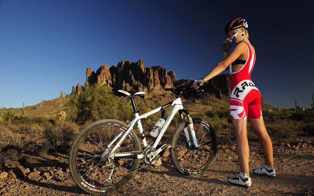 mountain-bike-girl-1280x800