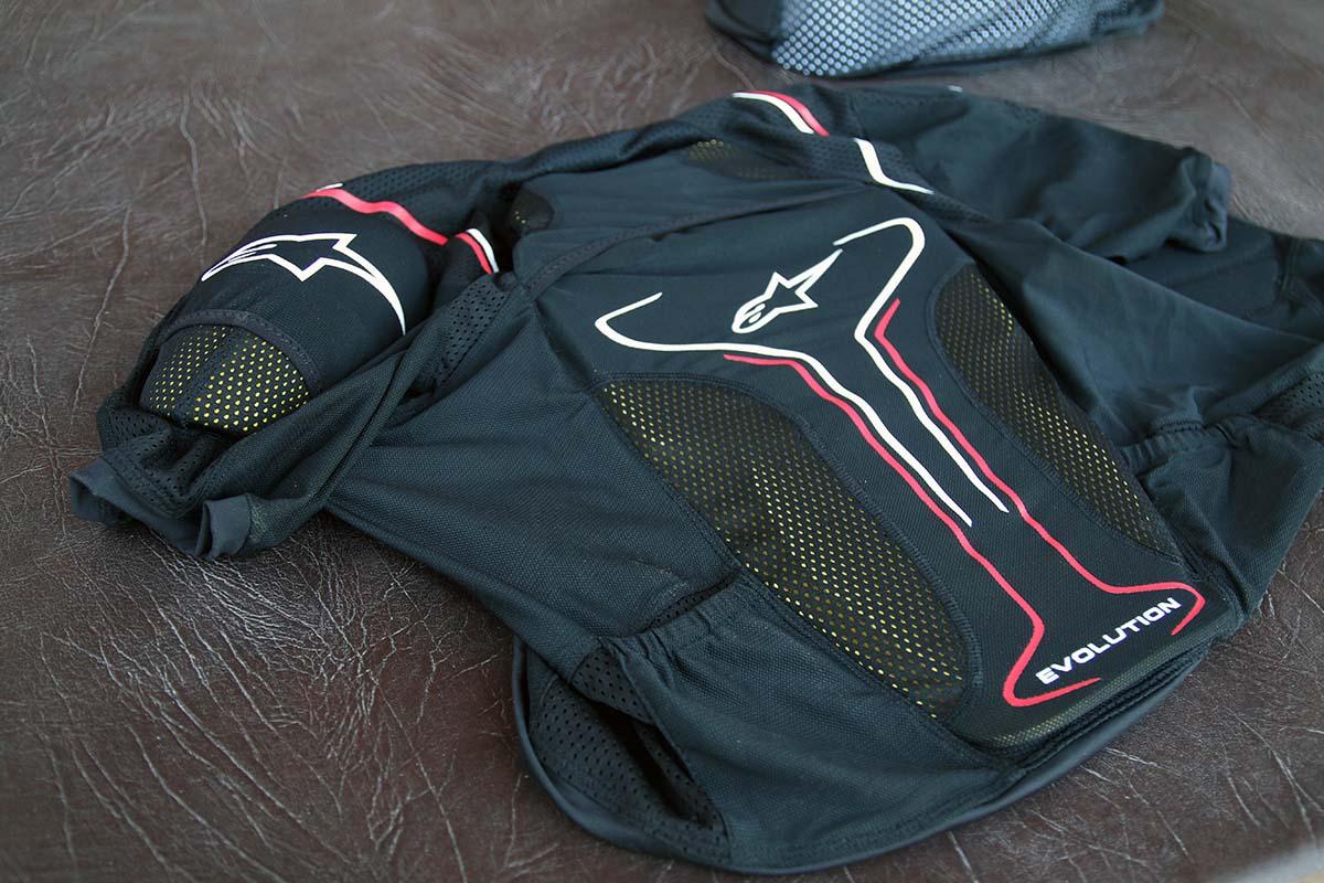 Alpinestars-paragon-hydration-vest-evolution-jacket-press-campalpinestarsIMG_7874