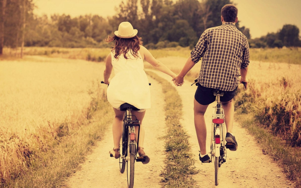 cycling in love mtb couple (2)