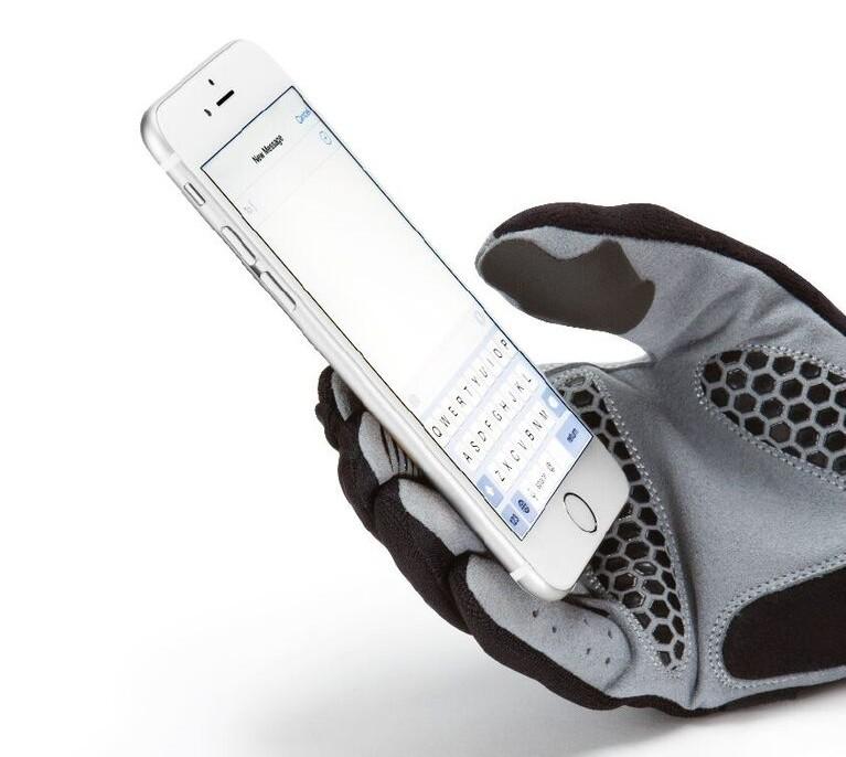 Glovetacts (1)