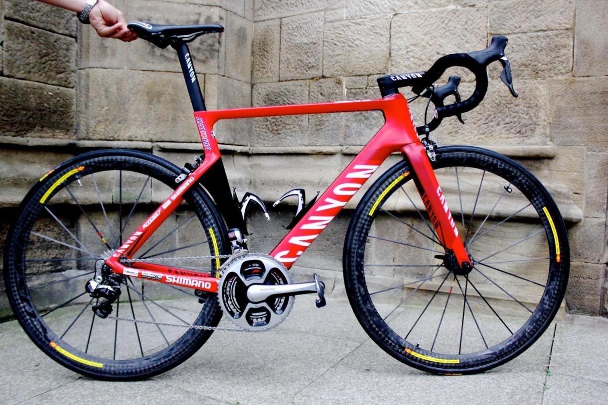 canyon world tour road bike