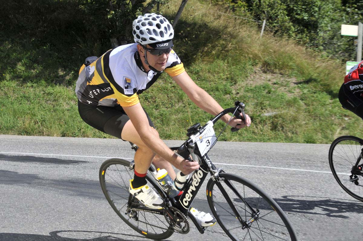 road bike cornering (4)