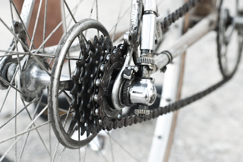 first bicycle gear systems (2)
