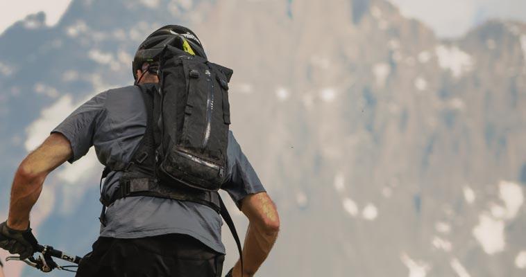 mountain-biking-backpack