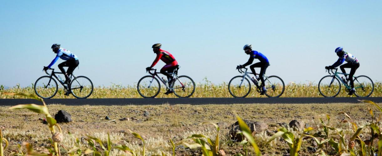 road bike in middle east desert (3)
