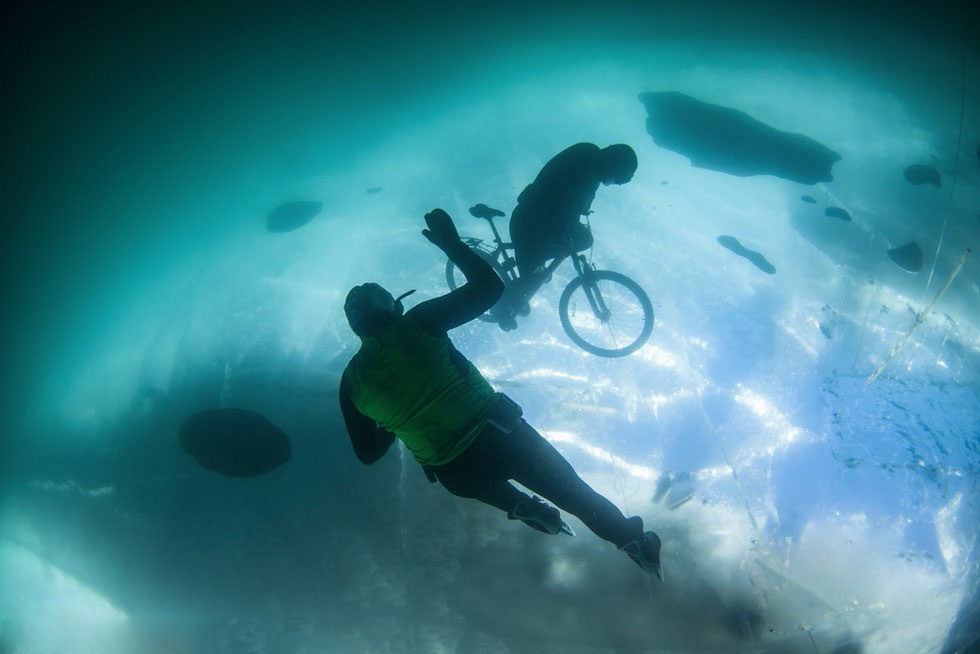 underwater bicycle frozen lake (3)