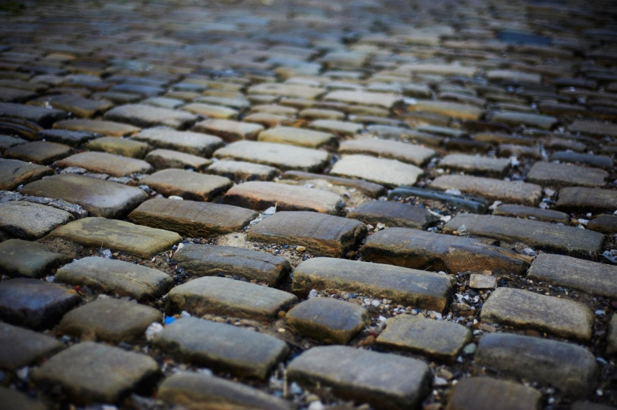 cobbled road cycling (1)