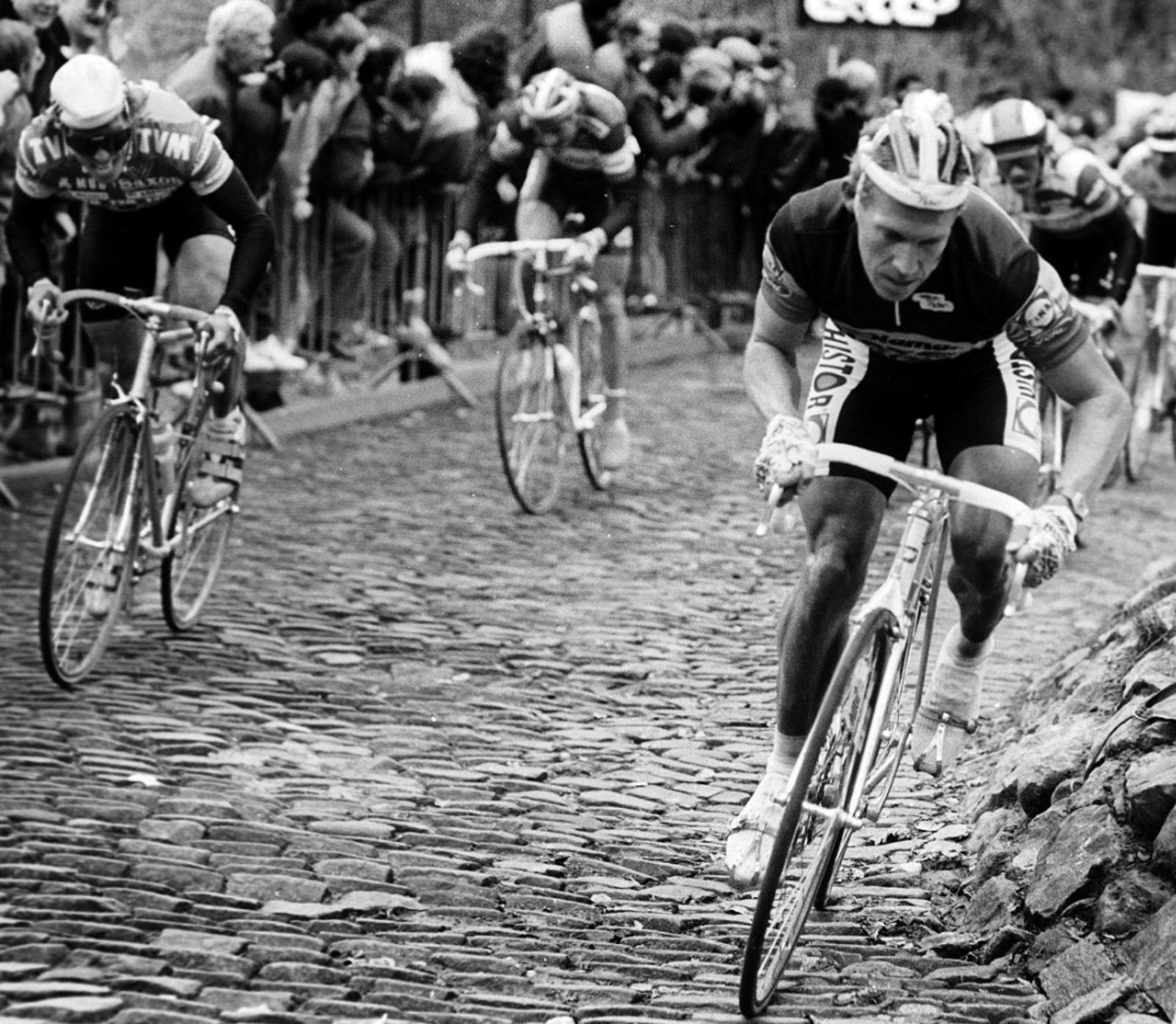 cobbled road cycling (2)