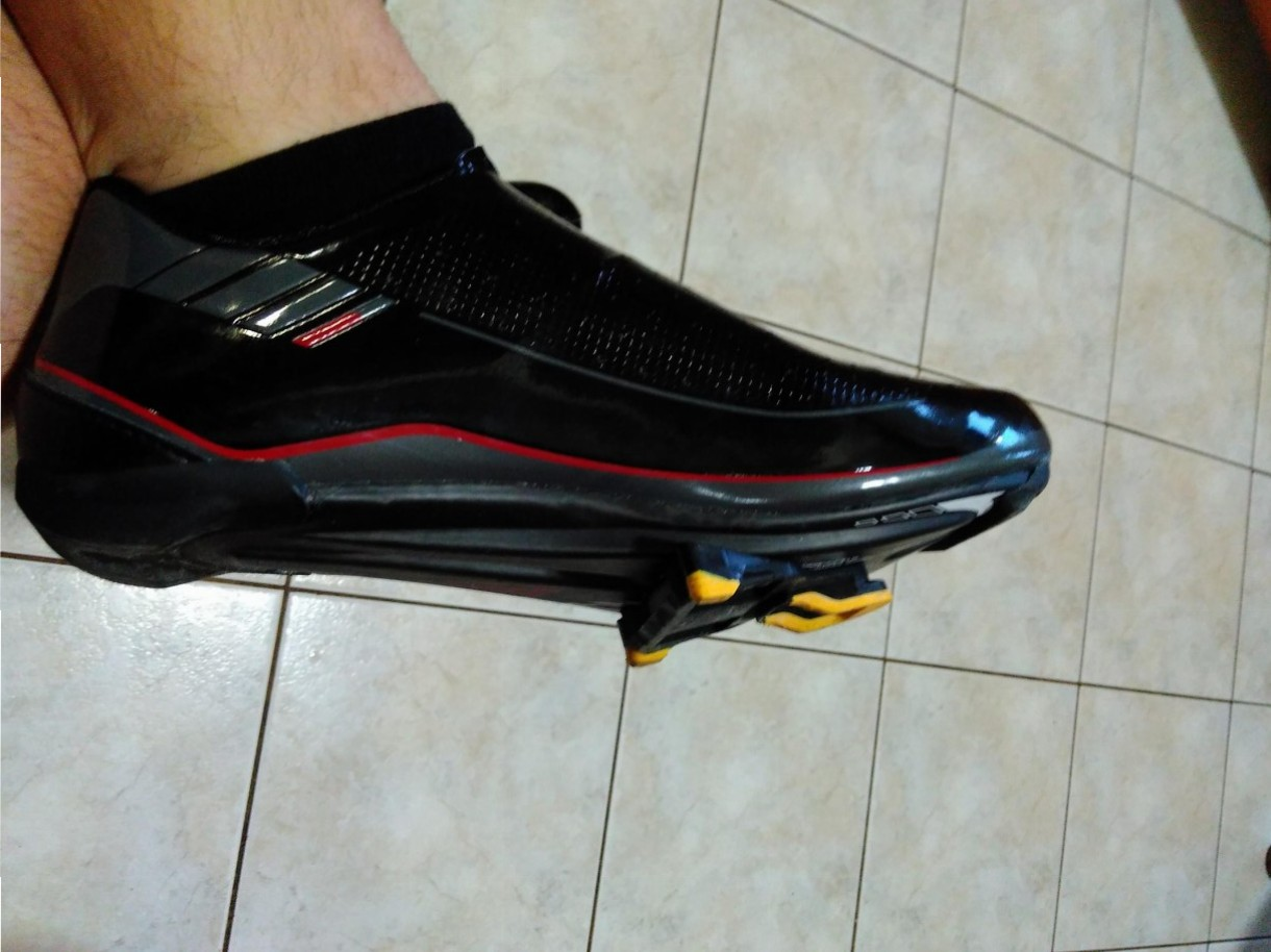 how to put cleats road bike shoes (1)