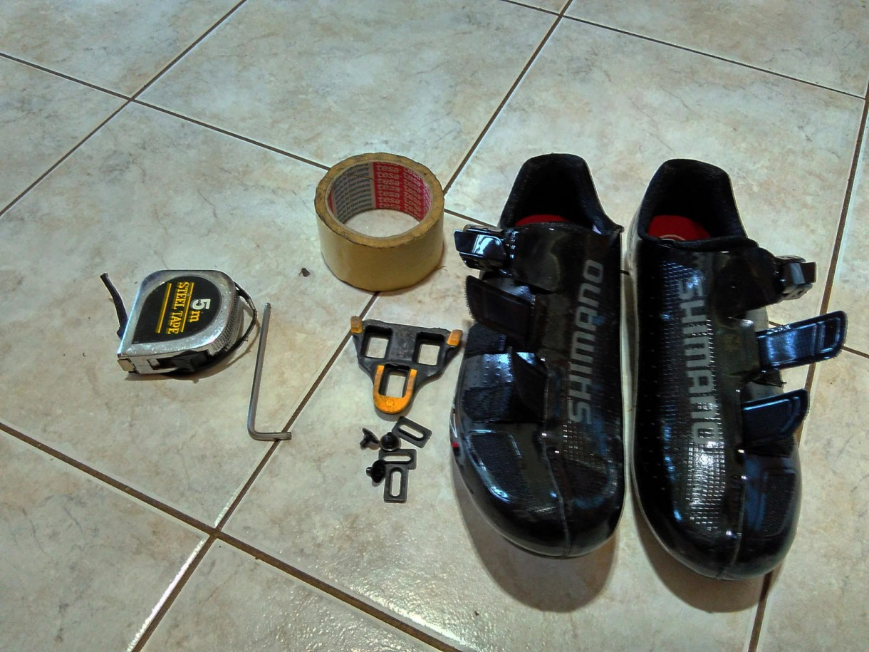 how to put cleats road bike shoes (3)