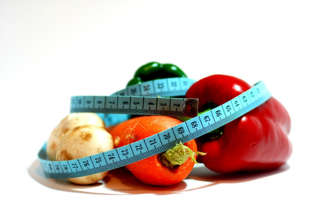 measure tape fruits