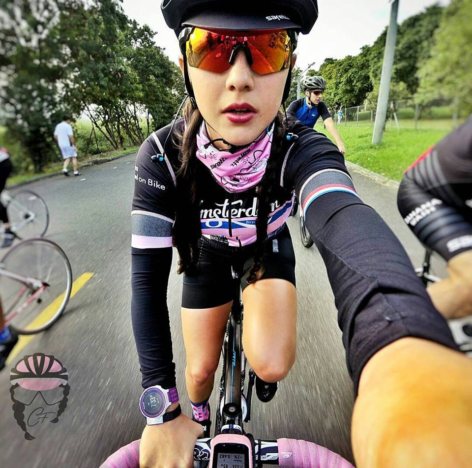 selfie road bike caro ferrer