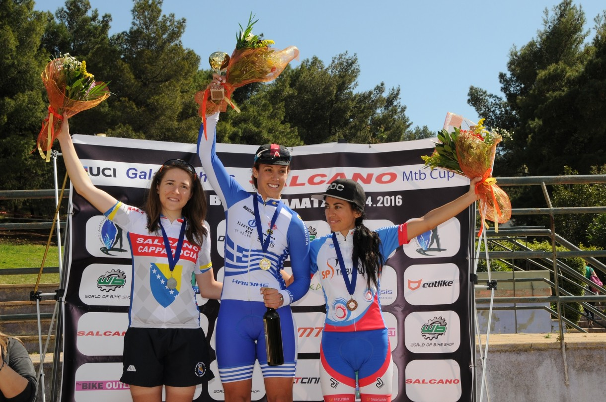 salcano women podium