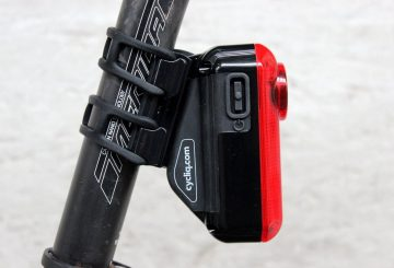 cycliq fly6 integrated rear light and camera (1)