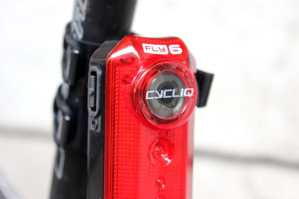 cycliq fly6 integrated rear light and camera (4)