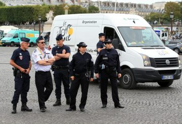 tour-de-france-police-paris