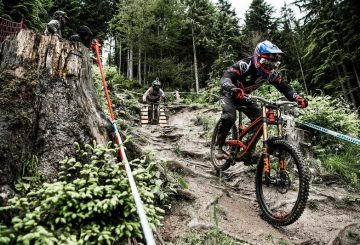 aaron-gwin-and-claudio-caluori-course-preview-run-for-leogang-2016