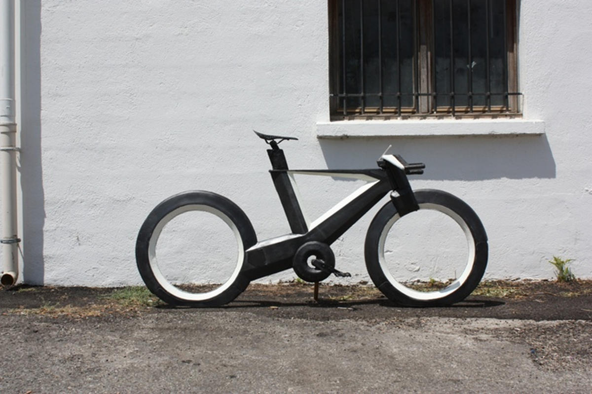 cyclotron bike without spokes and hubs (2)