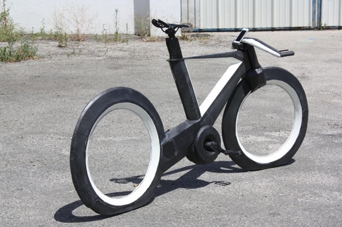 cyclotron bike without spokes and hubs (4)