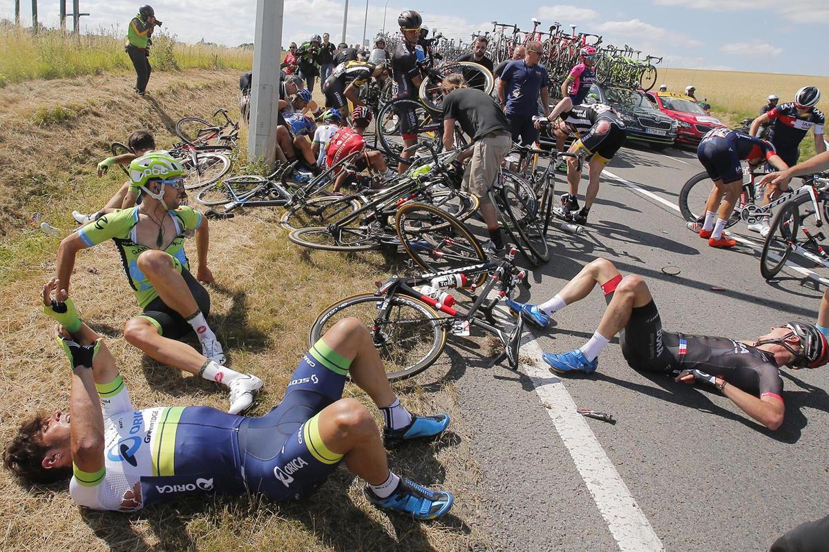tour de france crash (2)