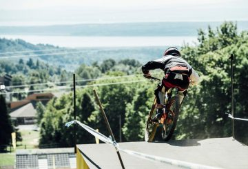 dropping-into-the-finish-area mont sainte anne downhill