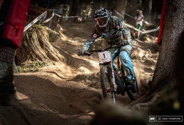 steve-peat-legend-val-di-sole-downhill-attack-position-roots