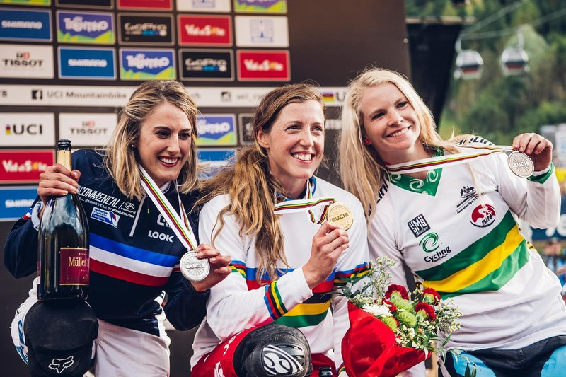 the-top-three-women-s-class-racers-celebrate-with-their-2016-mtb-world-championships-medals