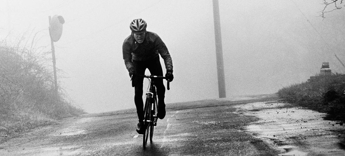 road-bike-sprint-cold-weather