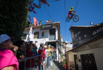 taxco-urban-downhill-1