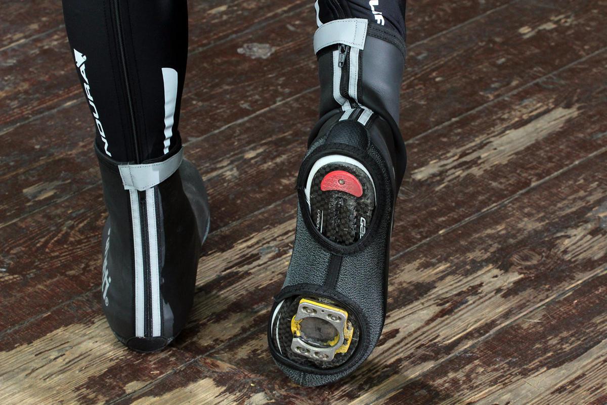 winter-overshoes-road-bike