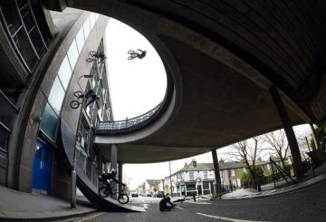 bas keep massive wallride bmx crazy