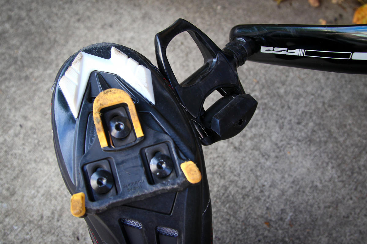 clipless road bike pedals