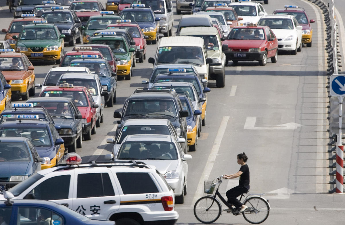 hong kong cyclist traffic