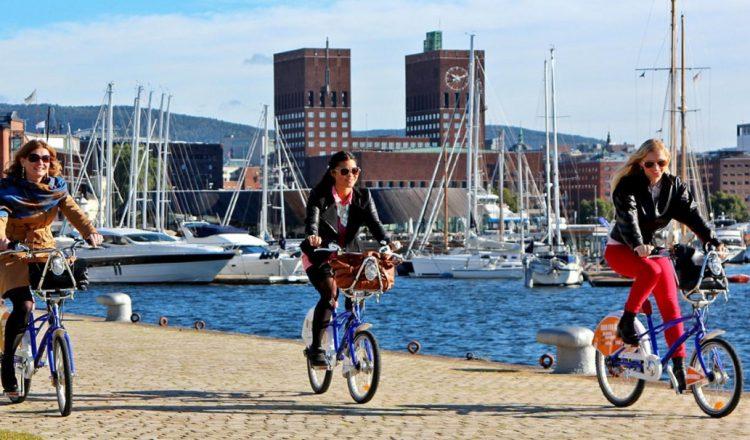 oslo urban cycling sea friends fun
