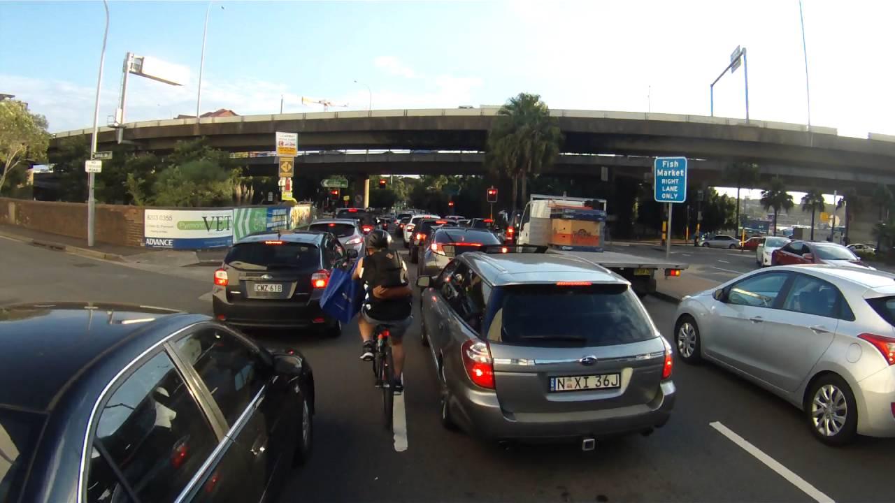 sydney traffic cyclist
