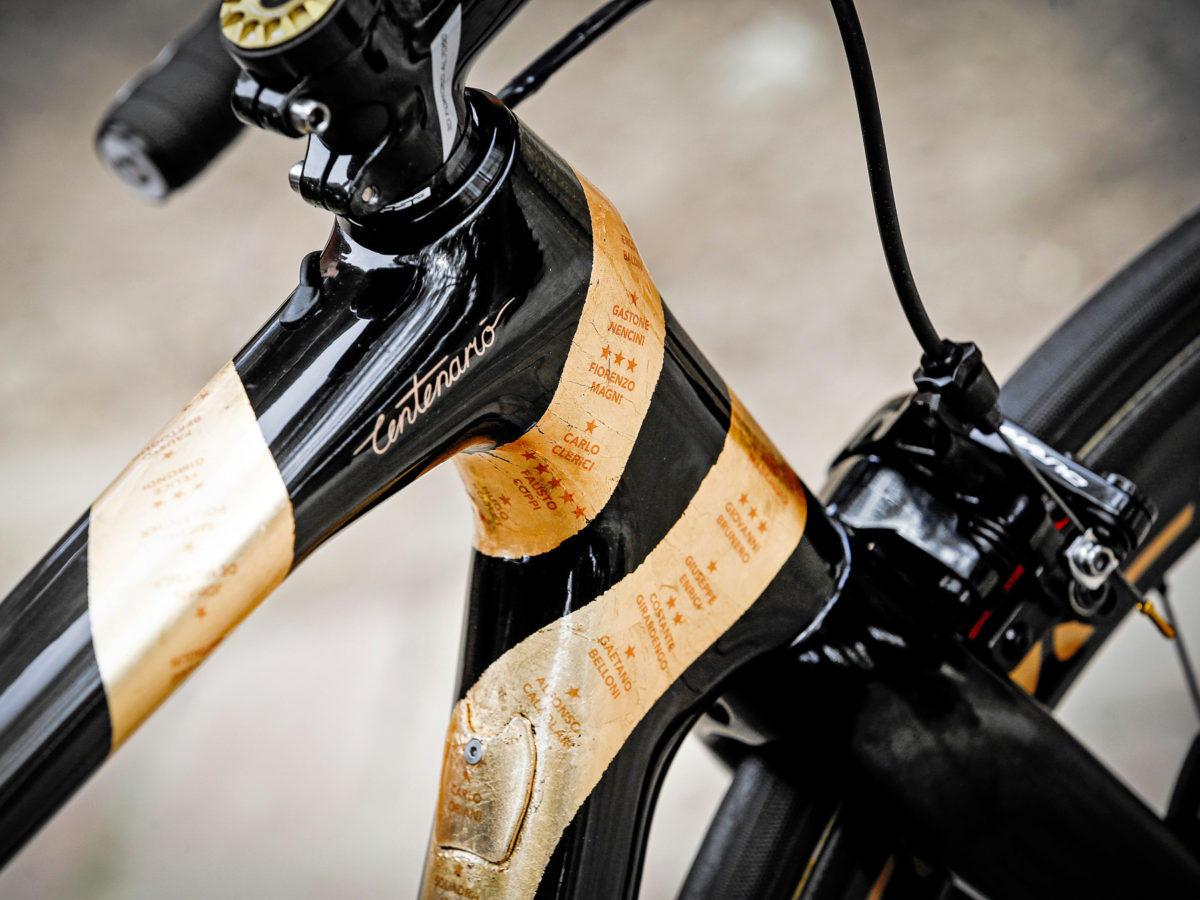 Nibali-100-year-Giro-dItalia_Merida-Scultura-special-edition_photo-by-Bettiniphoto_Centenario-headtube