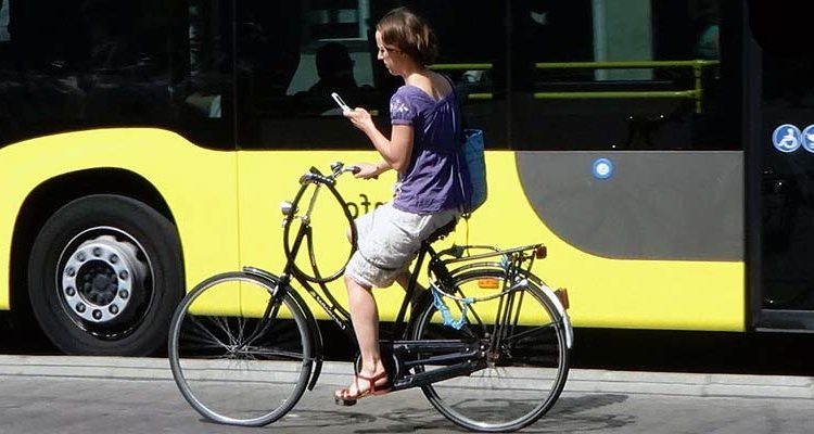 phone user on bicycle (3)